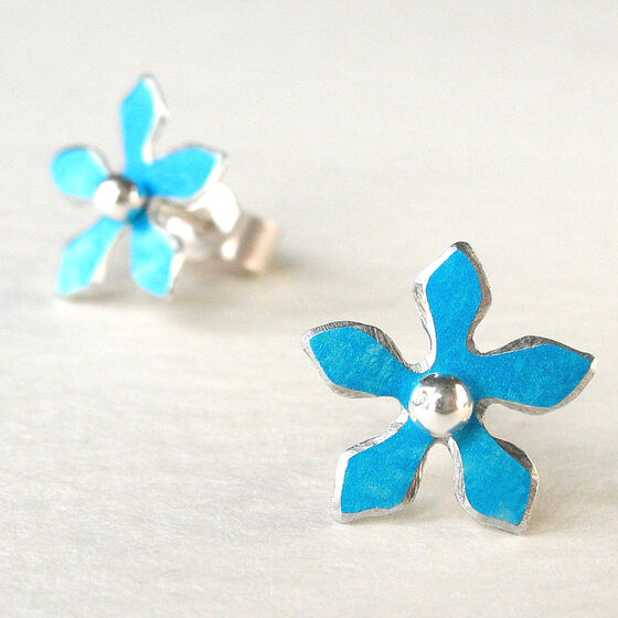 DH5 Flower stud earrings in turquoise blue