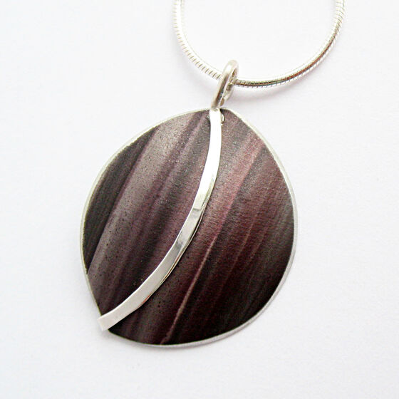 SH4 Half circle dome pendant with silver curve in brown