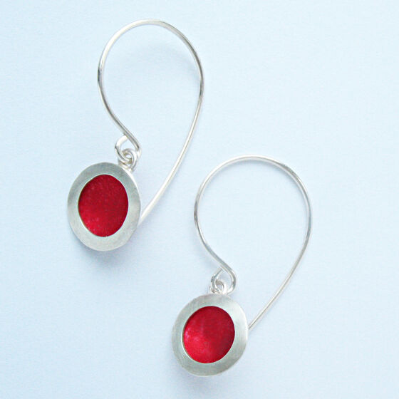 OR2 Silver circle drop earrings in red