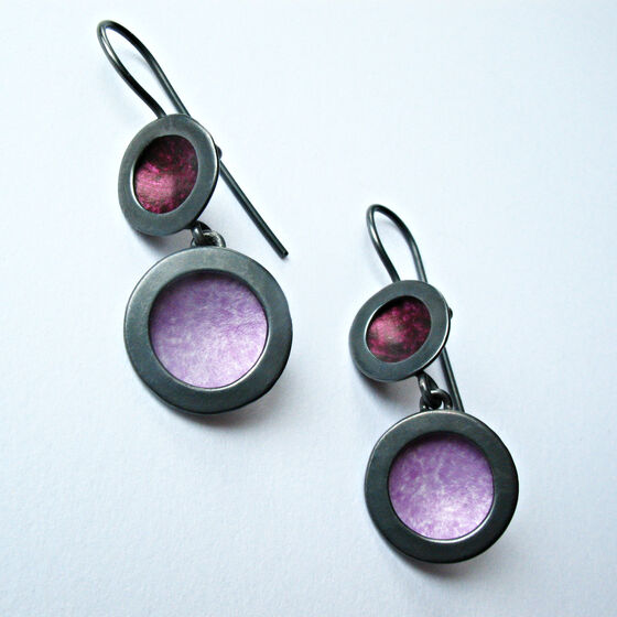 OR4 Oxidised silver circle earrings in berry and mauve