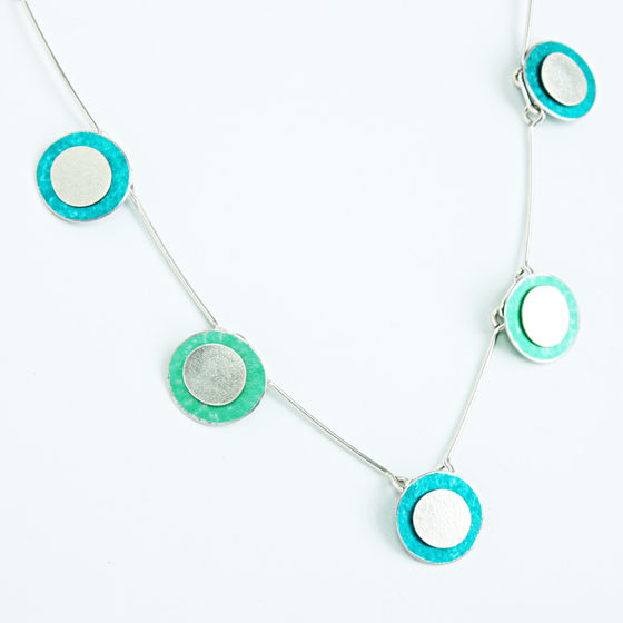 SL43 Green, jade and silver disc necklace