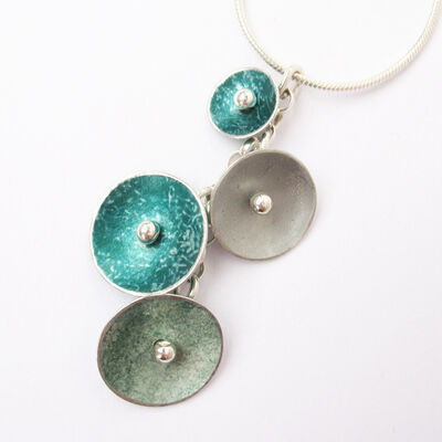 CD12 Four concave disc pendant in grey/grey green/forest green