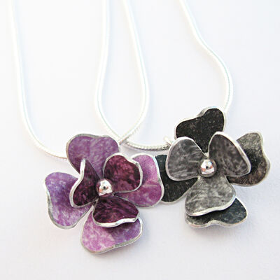 RS3 Double layer rosa pendants in mauve/berry and black/grey