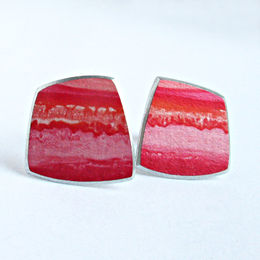 SL7 Red square strata stud earrings