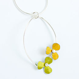 RS10 Double rosa trefoil pendant in lime/yellow