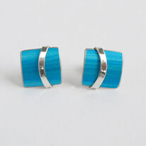 LN1 Square stud earrings with silver curve in turquoise blue