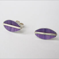 LN5 Oval stud earrings with silver line in purple