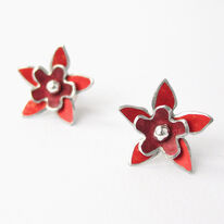 DH9 Double flower stud earrings in red/burgundy