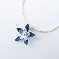 DH13 Double flower pendant in royal blue/light blue