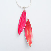 LC5 Two leaf pendant in red/orange