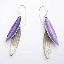 LC7 Two leaf earrings in purple and milled silver