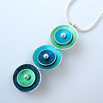 CD6 Triple concave disc pendant in green, turq.blue and petrol