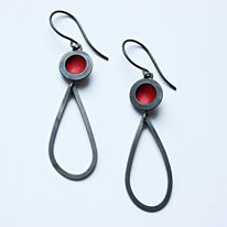 OR12 Oxidised silver circle drop earrings with peardrop in red