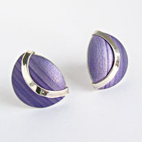SL1 Lavender shell stud earrings