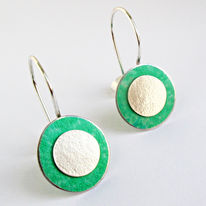SL38 Green and silver flat disc drop earrings