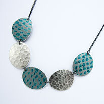 TS9 Five oval disc necklace in petrol blue