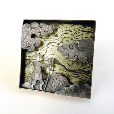 Trekking brooch/wall piece