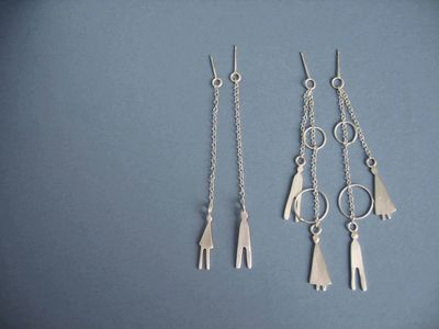 people dangle earrings
