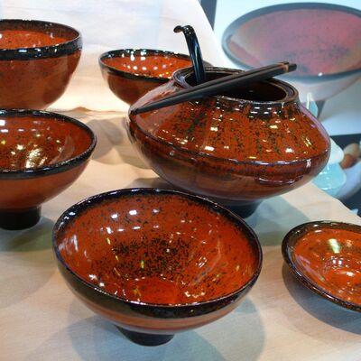 Red glaze bowls