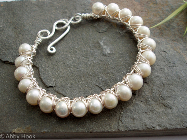 Kiss Kross Bracelet - Pearl and silver