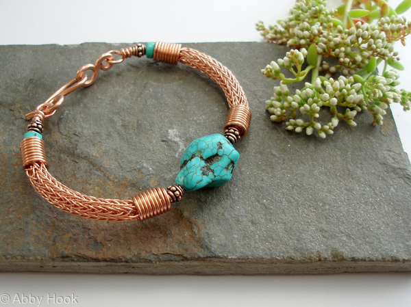 Torcesque - Turquoise and Copper bracelet