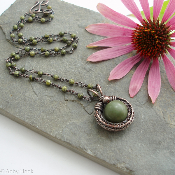 Circular Viking knit pendant - Copper and green Jasper