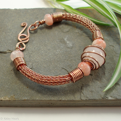 Torcesque - Rose Quartz and Copper bracelet