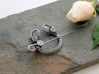 Penannular Brooch - Woven Sterling silver and faceted Labradorite