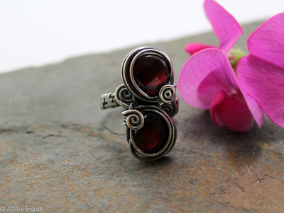 Double stone woven ring - Sterling silver and Garnet