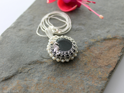 Monochrome pendant Viking Knit Bezel With Seahorse In Sterling Silver