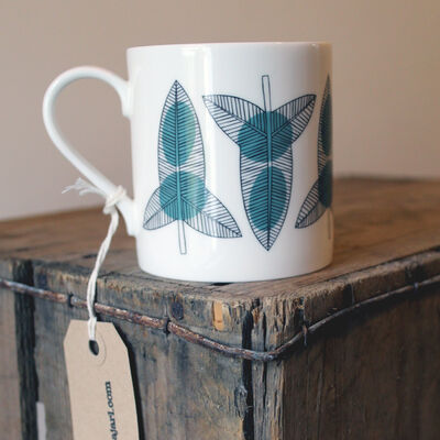 Bindweed leaf mug