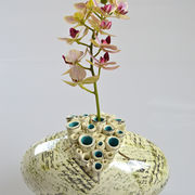 Oval Pod Vase with full script