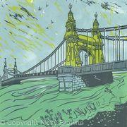 Hammersmith Bridge: flood tide