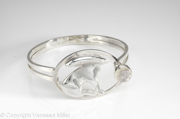 Moon Gazing Hare Bangle