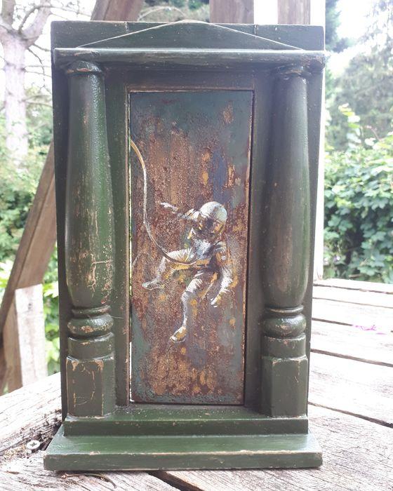 Through the door (door to space )