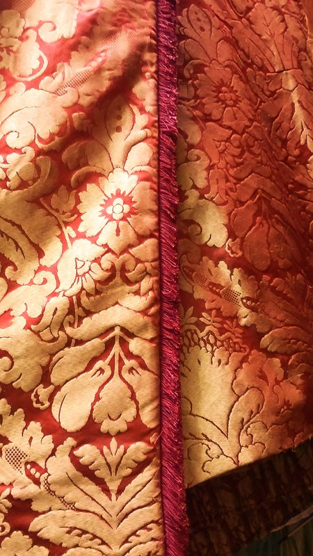 red gold damask curtains drapes