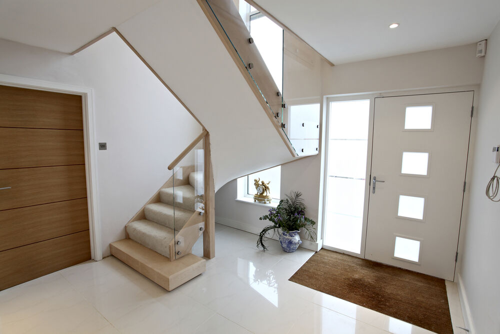 Contemporary Stair made from maple and glass with