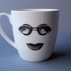 Pursey (L Mug)