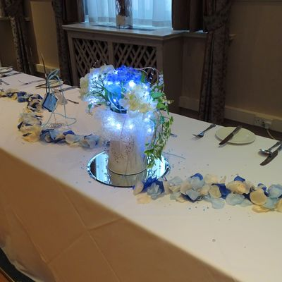 Table decorations (artificial flowers)
