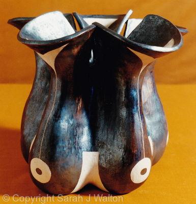Gourd pot