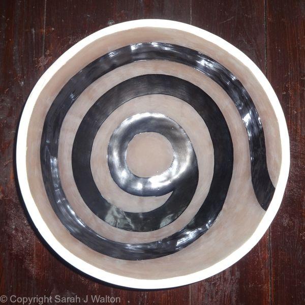 Large brown 'Spiral' bowl