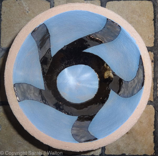 Small blue 'flower' bowl