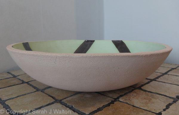 Medium bowl profile.