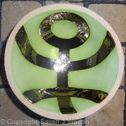 Small green 'Hello' bowl