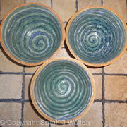 Small fully glazed 'spiral' bowls