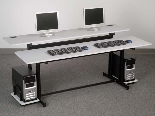 split-level-training-table-by-balt