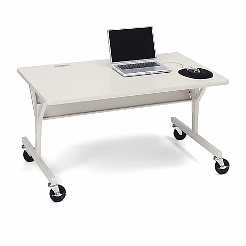 3522gm-48w-x-24d-computer-table-wcasters