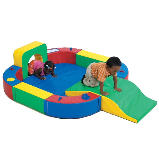cf322-162-playring-with-tunnel-and-slide