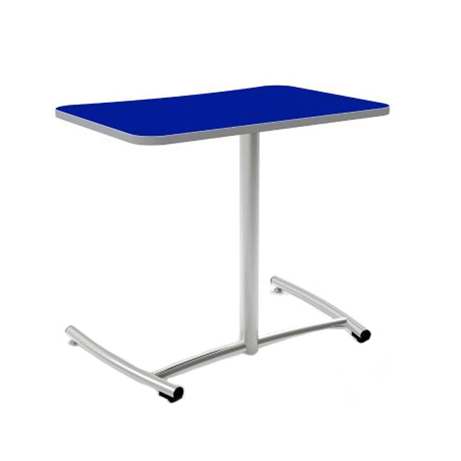 ruckus-desk-with-rolling-base
