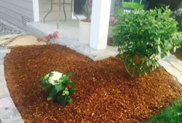 Custom Mulch Flower Beds